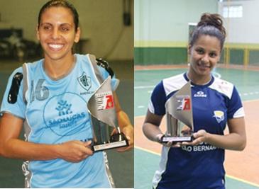 Camila Rocha, da Americana, e Rosaria Silva, da Metodista, recebem o troféu Melhores do Jogo