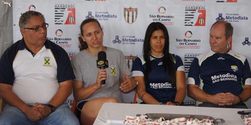 O técnico Rubens Piazza e a pivô Néia, de Santo André, focam Americana, mas esquecem Metodista