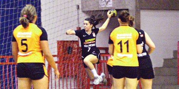No segundo tempo, São Caetano se reencontrou e tirou o bronze de Jundiaí no Júnior Feminino