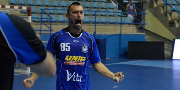 Pinheiros quebrou a invencibilidade da Metodista e conquistou o tetra na Liga Nacional. Crédito: Divulgação