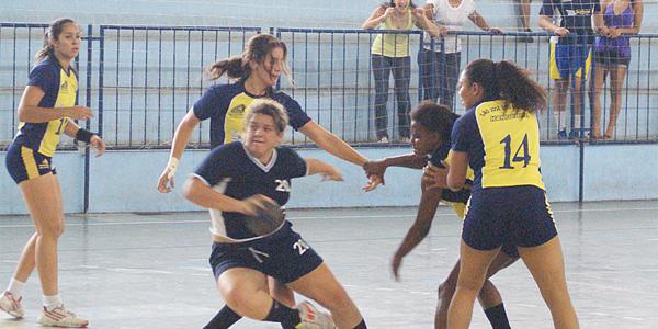 Mesmo em São José, Guarulhos jogou com autoridade e confirmou o tricampeonato do Júnior Feminino. Crédito: Hamilton Ramos