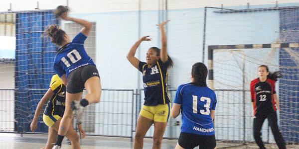 Após empatar em casa, Pinheiros começou melhor contra São José no jogo 2 da final do Juvenil Feminino. Crédito: Hamilton Ramos